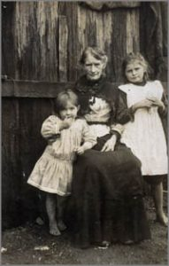 Mrs Ellen Kelly with grandchildren. Lot 131